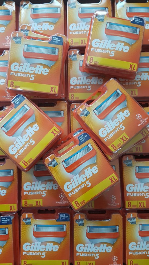 Joblot of 100x Gillette Fusion 5  Wholesale - 8 Blades
